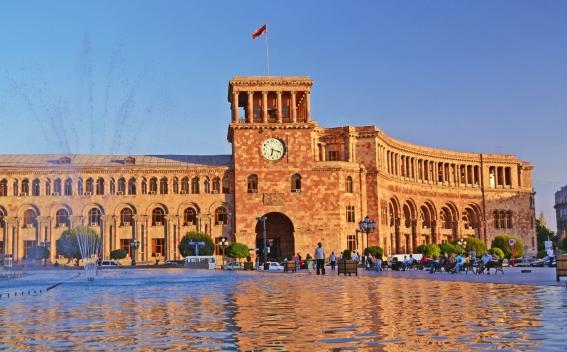 Премьер Армении назначил новых заместителей министра транспорта, связи и информационных технологий