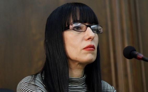 Наира Зограбян: Необходимо положить конец асфальтовой эпопее в центре Еревана