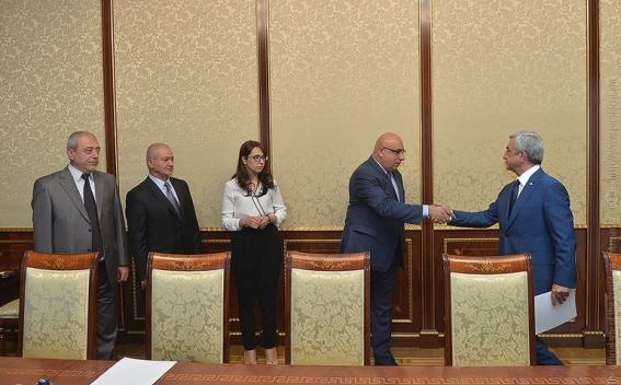 Նախագահ Սերժ Սարգսյանը հանդիպում է ունեցել Ազատ դեմոկրատներ ....