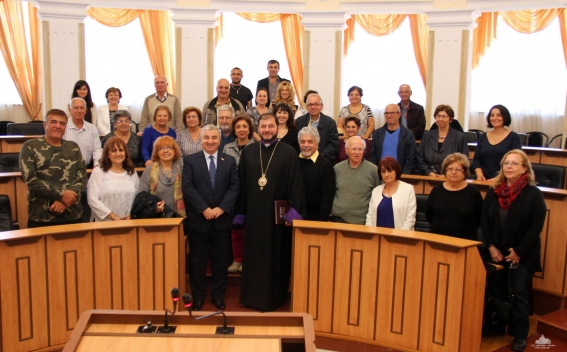ԼՂՀ ԱԺ նախագահն ընդունել է կանադահայ մի խումբ ուխտավորների