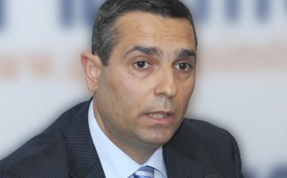 Масис Маилян поздравил Зограба Мнацаканяна с назначением главой МИД Армении