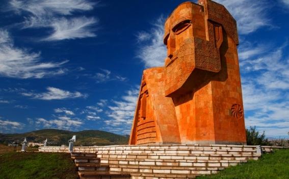 Степанакерт: Названия «Арцах» и «Нагорно-Карабахская Республика» равнозначны