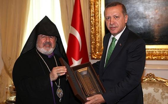 Константинопольский патриархат ААЦ осудил архиепископа Арама Атешяна