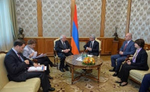 President Serzh Sargsyan Received the President of the European People's Party