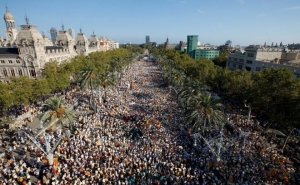 800,000 Catalans Stage Independence Protests