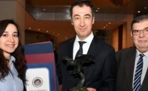 Cem Ozdemir and the Entire German Bundestag Awarded for Recognition of the Armenian Genocide (VIDEO)