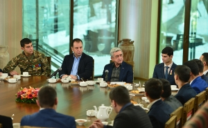 The President of Armenia Met With Decommissioned Servicemen (PHOTOS)