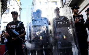 Suspected Islamic State Militant Kills Turkish Police Officer in Istanbul