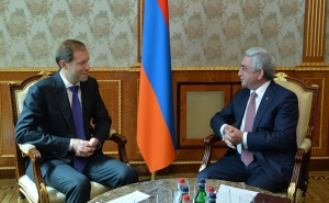 President Sargsyan Receives RF Minister of Industry and Trade