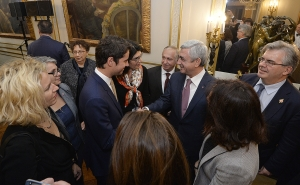 President meets with members of French National Assembly and Senate Friendship Groups