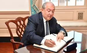 President Sarkissian Accepts Cabinet's Resignation