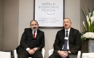 Nikol Pashinyan Holds Informal Meeting with Ilham Aliyev