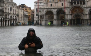 Venice Calls for State of Emergency after Worst Flooding in Over 50 Years