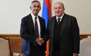 Armenian President Holds Phone Talk with Lord Ara Darzi and Academician Aramayis Kamalov