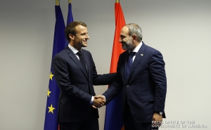 French President Emmanuel Macron Offers his Support to Prime Minister Pashinyan