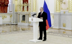Russia Expects International Organizations to Take Part in Karabakh Settlement: Putin
