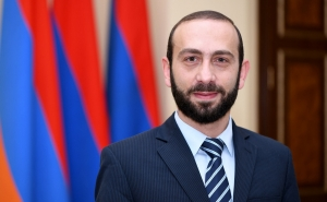 President of Armenian Parliament Thanks President of French Senate for Resolution on Artsakh
