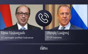 Russian and Armenian FMs Discuss Implementation of Karabakh Deals