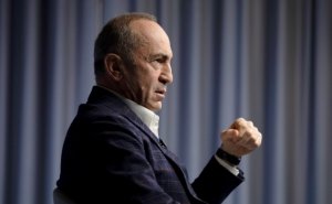 "Kocharyan ""Not Planning"" to Lead Armenian Opposition"